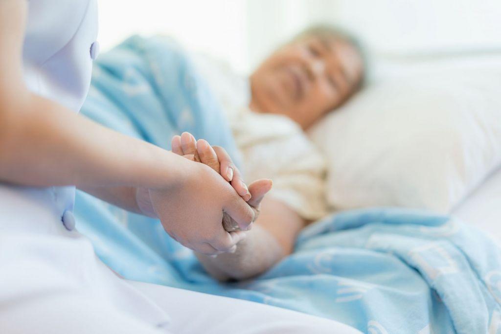 adobestock 189681171 min - SHD investiert in pflegerische Kompetenz