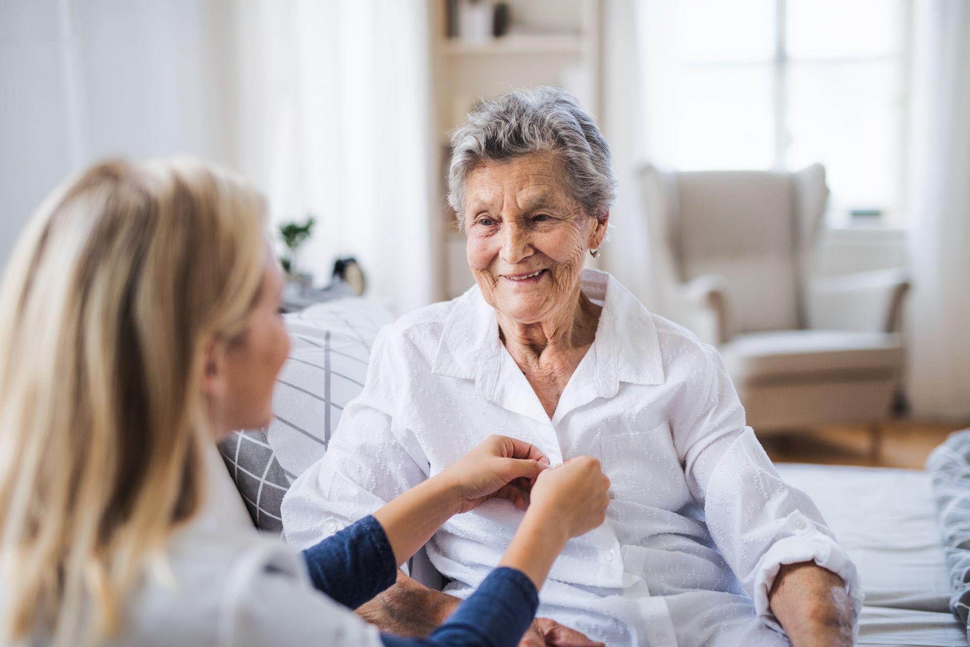 adobestock 244536746 min - SHD Seniorenhilfe: 24-Stunden-Betreuung mit regionalem Charakter